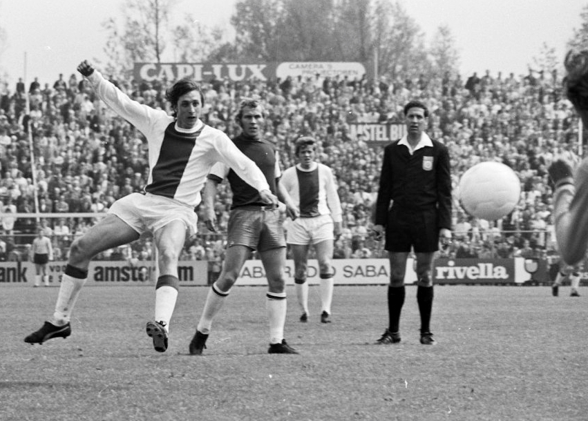 He shoots, he scores!(May 1971)