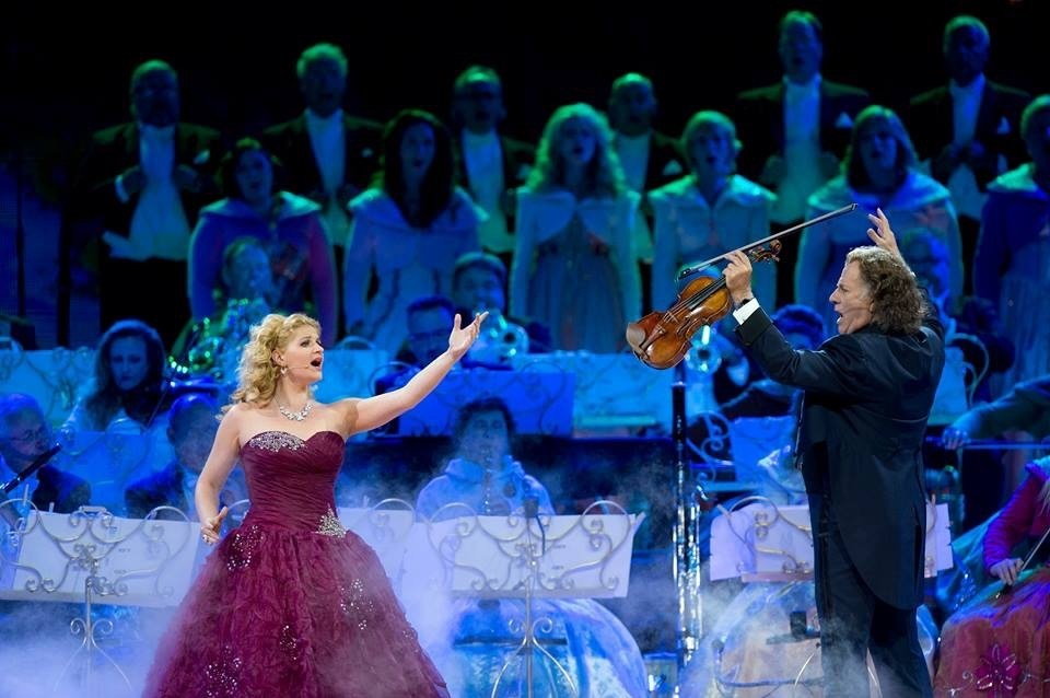 "Mirusia performs ""Wishing You Were Somehow Here Again"" with Andre Rieu at the Vrijthof, 2015"